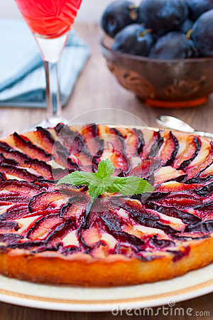 Free Tart With Plums Stock Image - 33033961