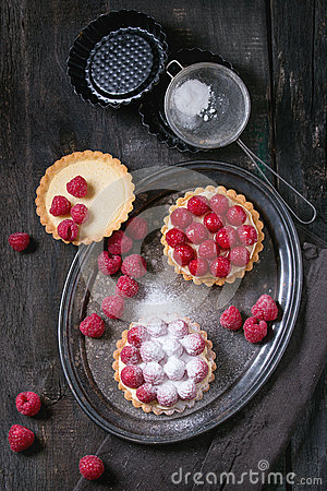 Free Tartlet With Raspberries Stock Images - 69146004