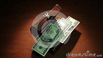 Tassa segreta Molti soldi 100 dollari di banconote stock footage