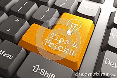 Tastatur mit Tipps und Trick-Knopf.