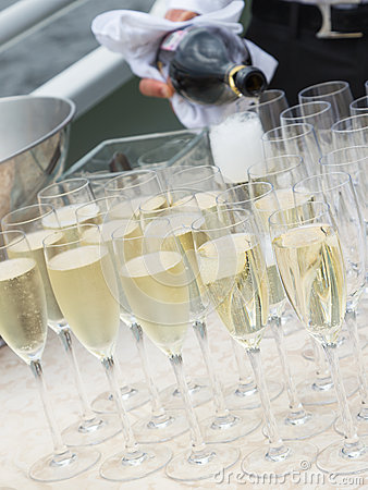 Free Tasty Champagne In Glass Glasses Royalty Free Stock Photography - 59138077