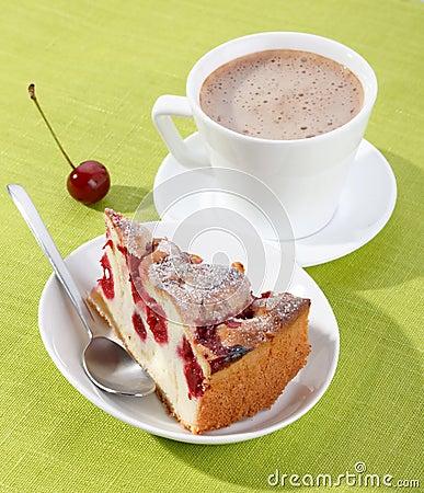 Free Tasty Cherry Cake Royalty Free Stock Photos - 10873558