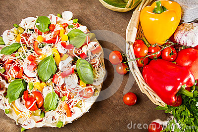 Tasty pizza made ​​with fresh vegetables