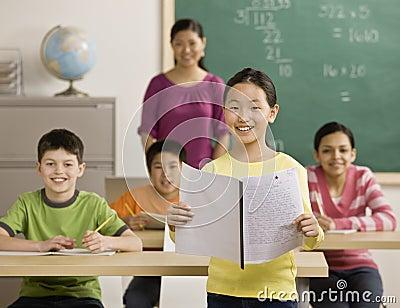 État du relevé de fille aux camarades de classe