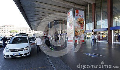 Taxi à Rome Image stock éditorial