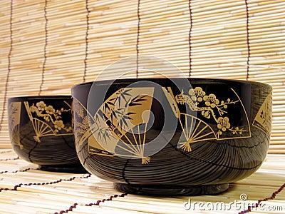 Tazones de fuente japoneses elegantes