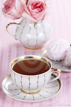 Free Tea And Roses Stock Photography - 18161862