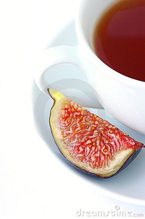 Free Tea Cup And Fig Fruit Royalty Free Stock Photo - 10899995