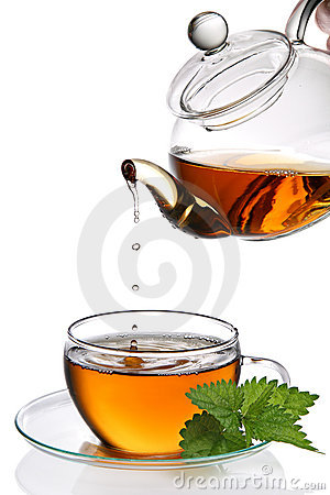 Free Tea Dripping Into Cup Royalty Free Stock Photography - 18381107