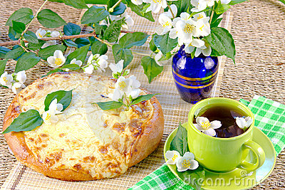 Tea with jasmin and  pie