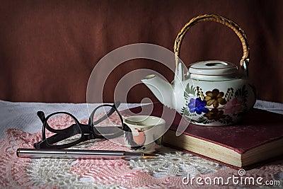 Tea kit with stationary.