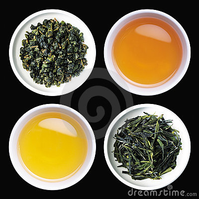 Tea and roasted tea leaves in cups