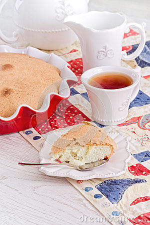 Free Tea Time With Apple Pie And Berry On Red-blue Napkin Stock Photos - 43111883