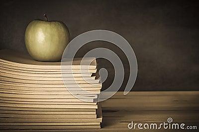 Teacher s Desk - Apple on Books