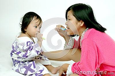 Teaching toothbrush