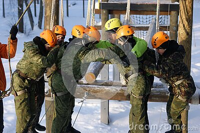 Team On Obstacle Course Free Public Domain Cc0 Image