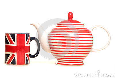 Teapot and union jack mug