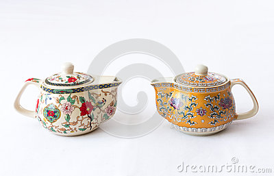 Teapots with floral decoration