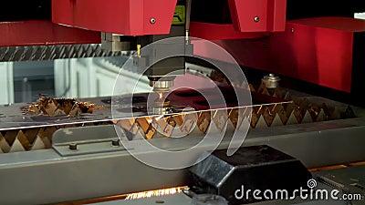 Tecnología de acero para corte láser CNC Ingeniería e industria almacen de video
