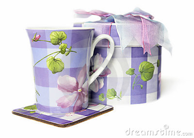 Tecup and gift box