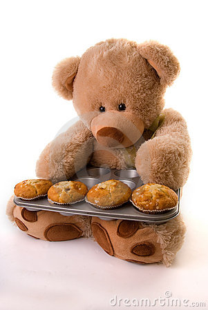 Teddy baking muffins