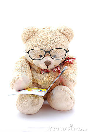 Free Teddy Bear Reading Royalty Free Stock Image - 8201636