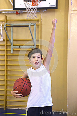 Free Teen Boy With Basketball Ball In Gym Royalty Free Stock Images - 85272709