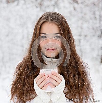 Free Teen Girl Enjoying Big Mug Of Hot Drink During Cold Day Royalty Free Stock Photos - 61979638