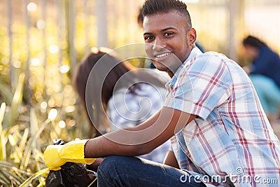 Teen volunteers cleaning