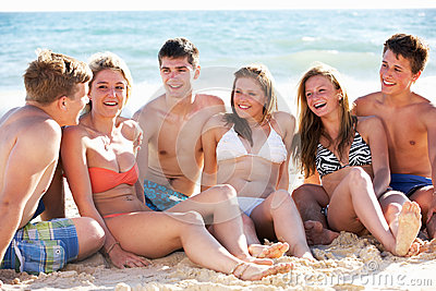 Teenage Friends Enjoying Holiday