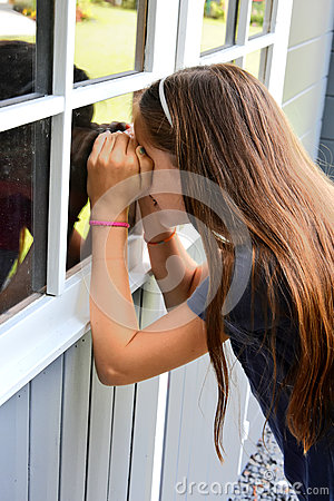 Free Teenager Girl At Summer House Royalty Free Stock Photography - 77170787
