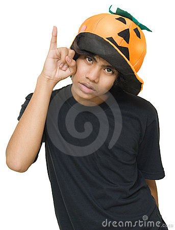 Teenager w pumpkin hat