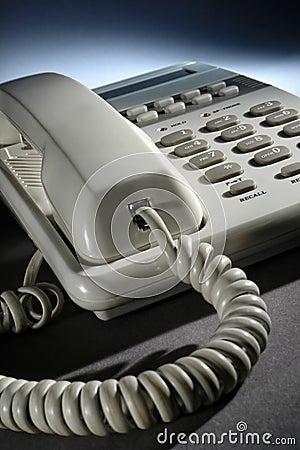 Teléfono del escritorio de oficina