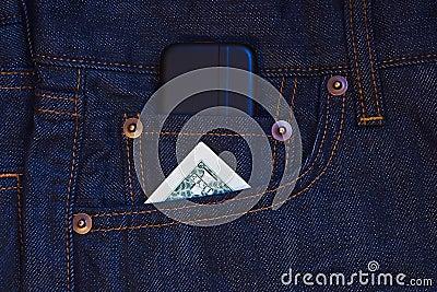 Telefone móvel e uma nota de banco do dólar