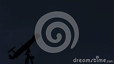 Telescopio e luna archivi video