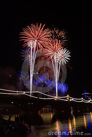 Free Tempe Lake Fireworks On The Bridge Royalty Free Stock Image - 8230506