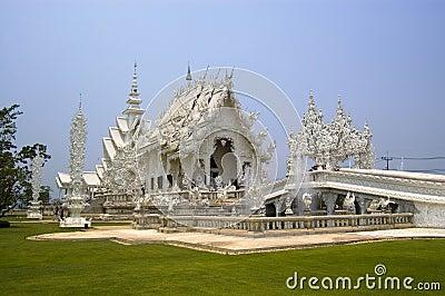 Tempiale tailandese bianco