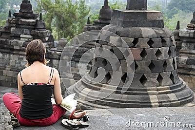 temple-de-esquisse-de-touristes-indon%C3%A9sie-de-borobudur-31283757.jpg