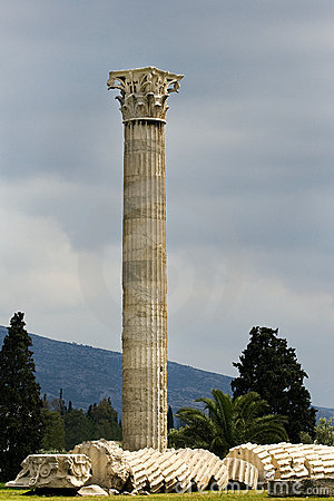 Free Temple Of Olympian Zeus, Athens, Greece Royalty Free Stock Images - 13112659