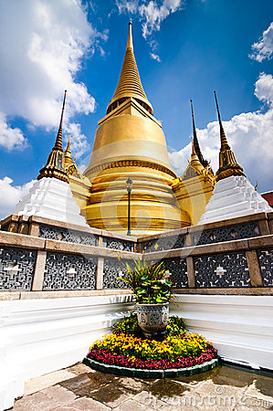 Free Temple Of The Emerald Buddha In Bangkok Stock Photos - 29804223