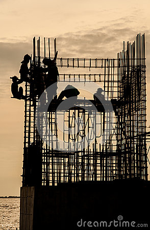 Free Temple Under Construction With Workers Near Mangrove Forest Royalty Free Stock Images - 42900689