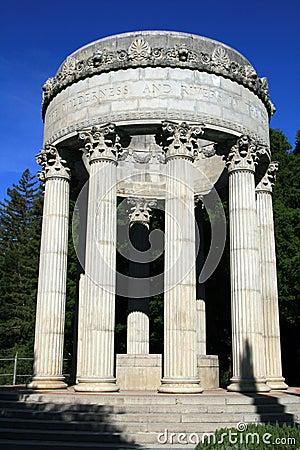 Templo del agua de Pulgas