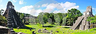 Templos antigos do Maya de Tikal, Guatemala