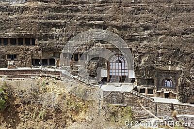 Templos budistas antigos da rocha em Ajanta