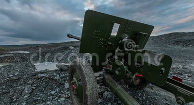Temps de canon de l'artillerie de l'Union Soviétique de la guerre mondiale 2 Hyperlapse banque de vidéos