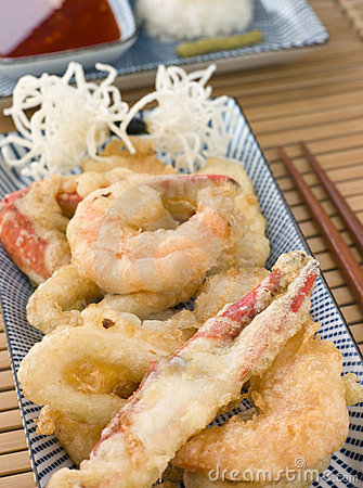 Free Tempura Of Seafood With Chili Sauce And Mouli Stock Images - 5358064