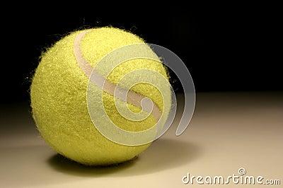 Tenis piłkę
