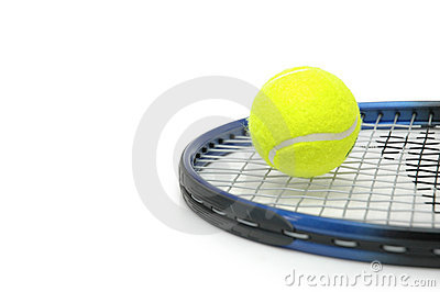 Tenis y bolas aislados