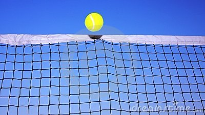 Tennis ball and tennis net