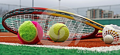 Tennis balls, Badminton shuttlecocks & Racket-3
